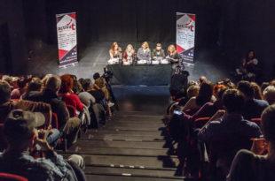 08nov17-mujeres-juristas-conversando-en-el-teatrodebarrio_38272724031_o